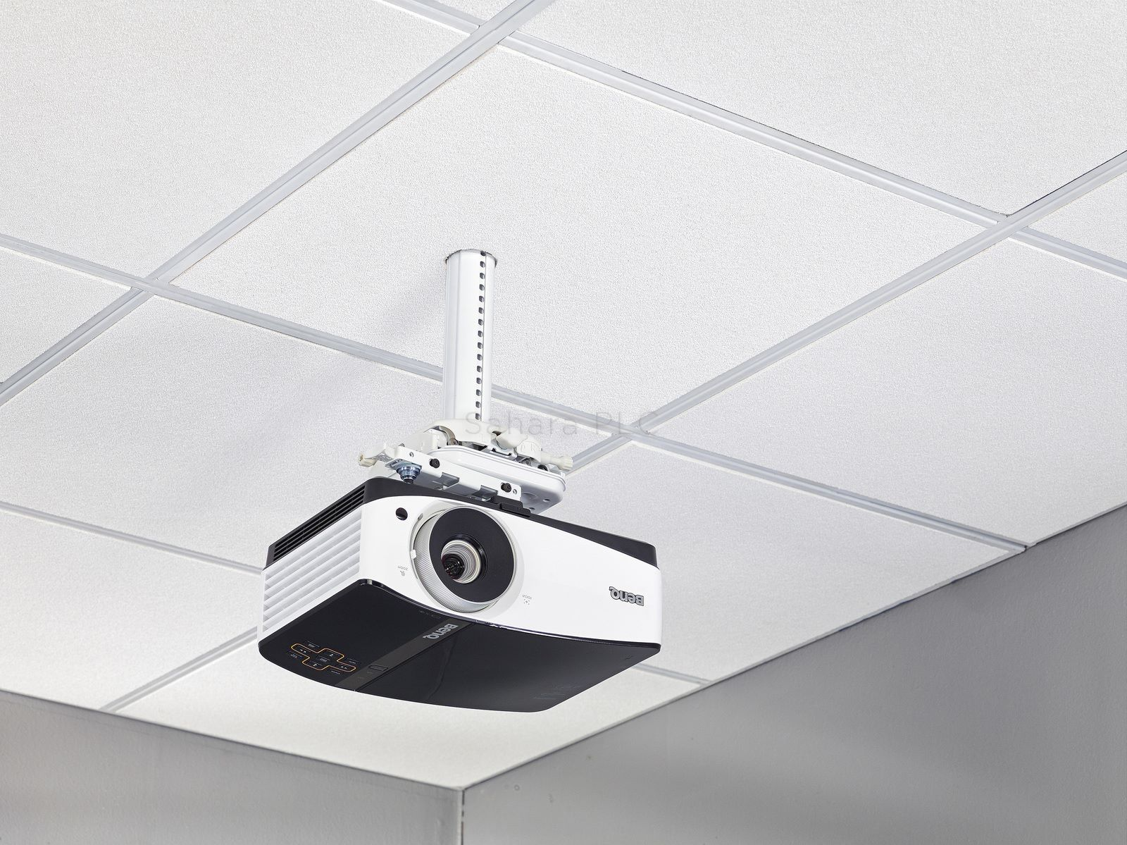 Chief Suspended Ceiling Projector System Sysauw Sahara Av